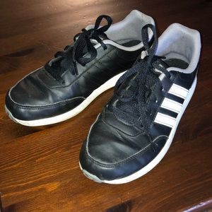 Big boys Adidas casual sneakers size 5
